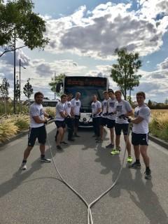JCR-Team erfolgreich beim Bustauziehen